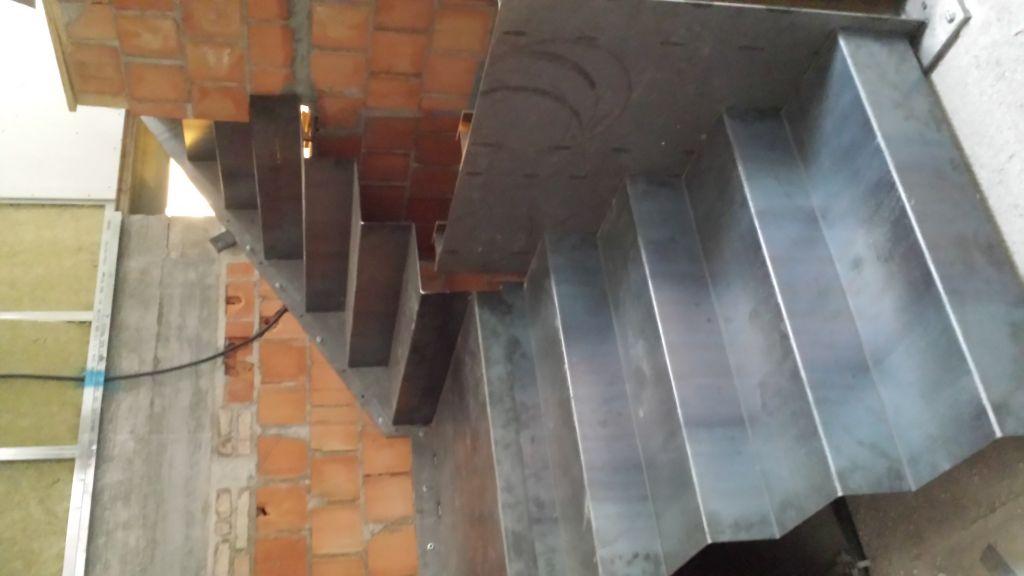 Cfm metal s n c - Scale in lamiera piegata ...
